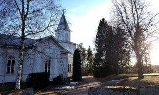 Kodisjoki church in spring