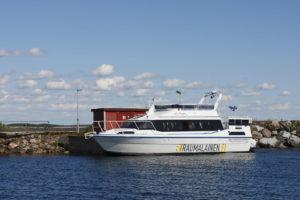 Waterbus Apollonia in Kylmäpihlaja