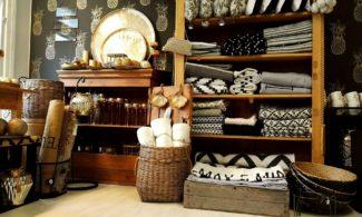 M & R Lifestyle myymälän sisustustuotteita.